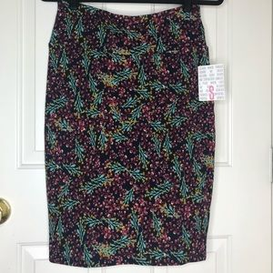 New with Tags Small LuLaRoe Cassie Skirt